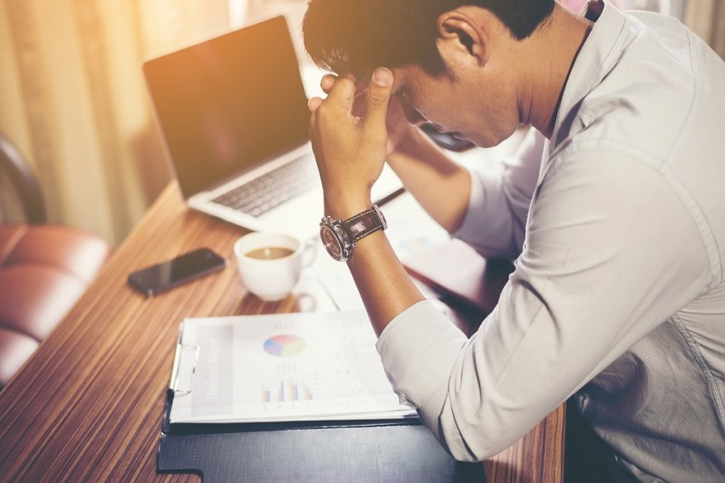 Combatting Work Nerves: Should You Take CBD Oil to Calm Yourself?